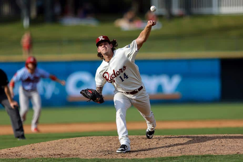 Arias delivers for RoughRiders 6th walk-off